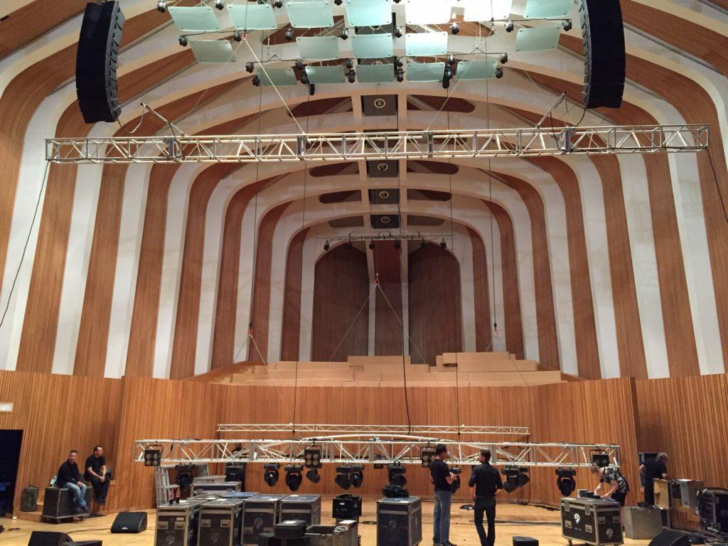 Preparando el concierto de Tony Hadley
